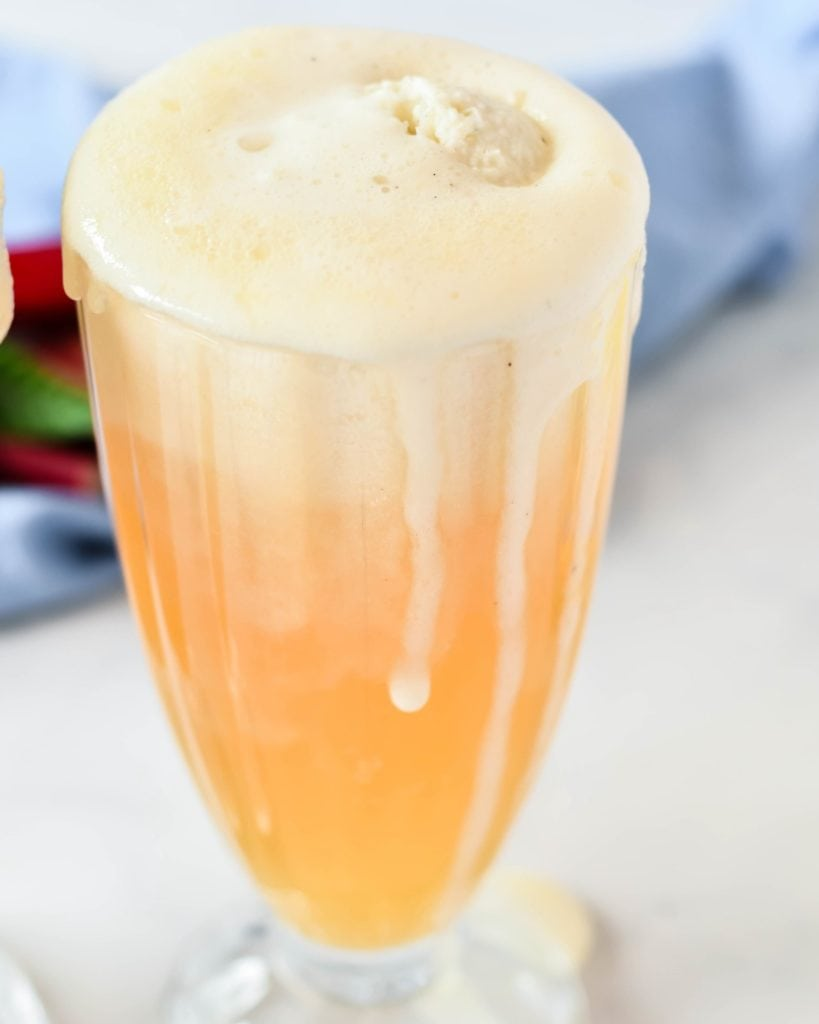 These boozy rhubarb elderflower ice cream floats are simple and wonderfully satisfying on a hot summer's day. If you're not in a boozy mood, omit the elderflower liqueur.